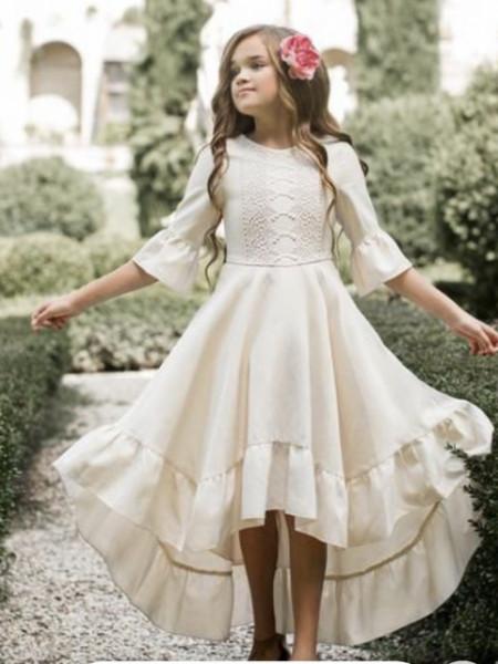 Slika Bela leprsava haljina sa detaljima od čipke