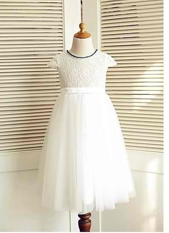 Slika Duga haljina sa cipkom i teget perlicama na okovratniku
