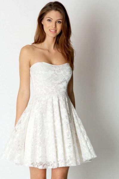 Slika Cipkana haljina sa srce izrezom u vise boja