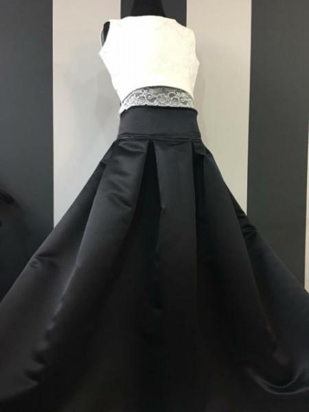 Svečana dugačka haljina sa suknjom od crnog satena