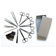 Mali hirurski instrument set za ordinaciju