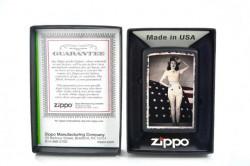 Зажигалка Zippo 28533 Woman Saluting