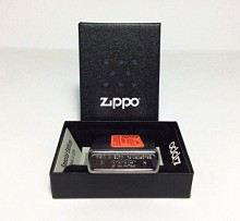 Зажигалка Zippo 76827 Handle with Care