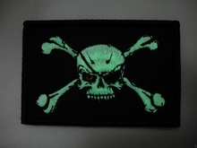 Нашивка (патч светящийся)  Pirate Flag Velcro USA