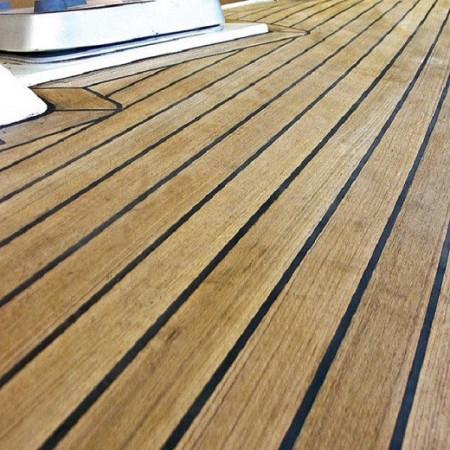adeziv negru lemn la exterior