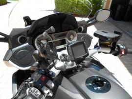 Kormányra, bukócsőre... szerelhető tartó adapter (12,7-tól 31,7 mm-ig)