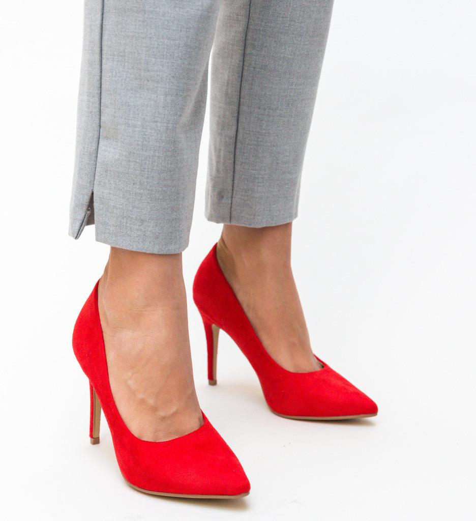 Обувки Cruze Червени