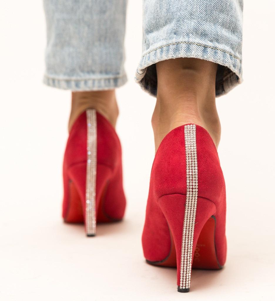 Обувки Irona Червени