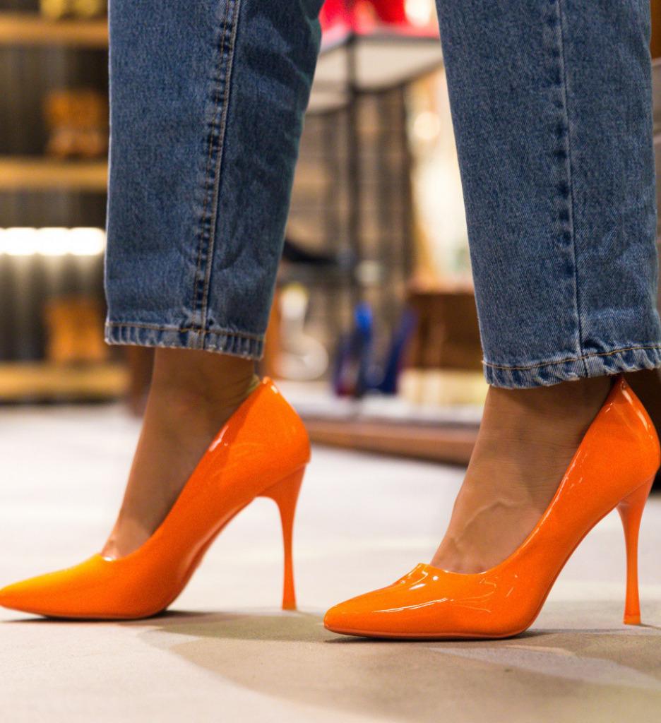 Обувки Arav Оранжеви