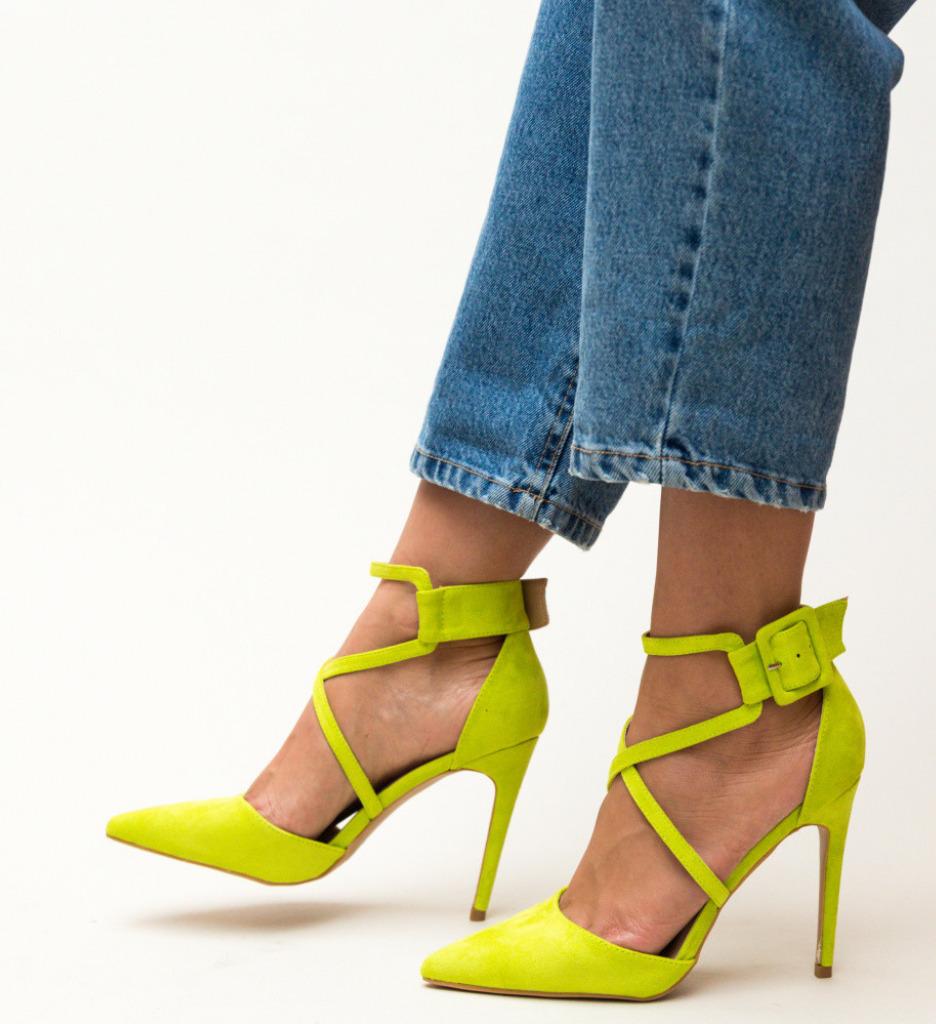 Обувки Hebe Зелени