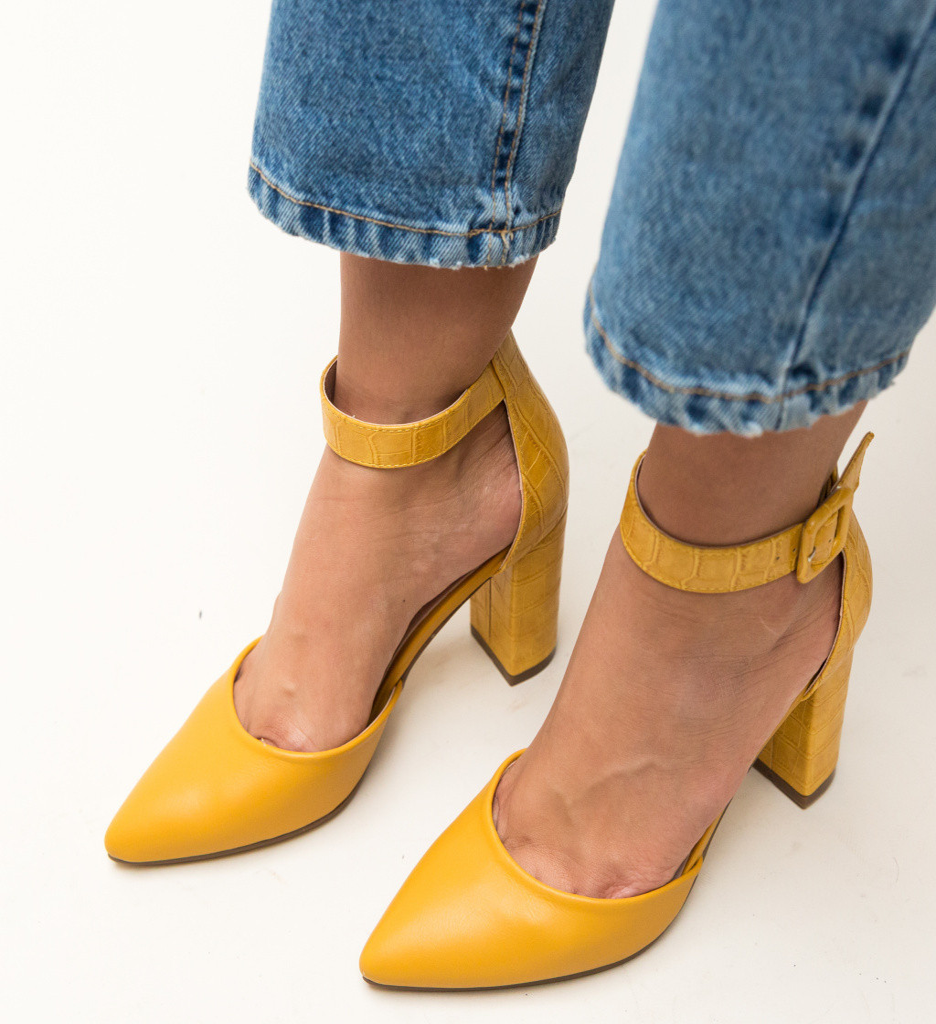 Обувки Duffy Жълти