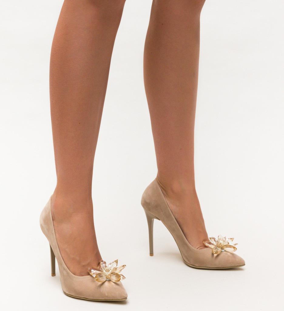 Обувки Margot Бежови