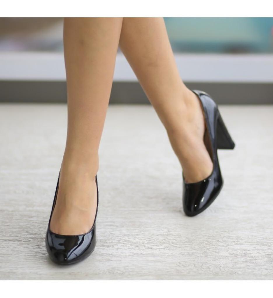 Обувки Джейн Черни