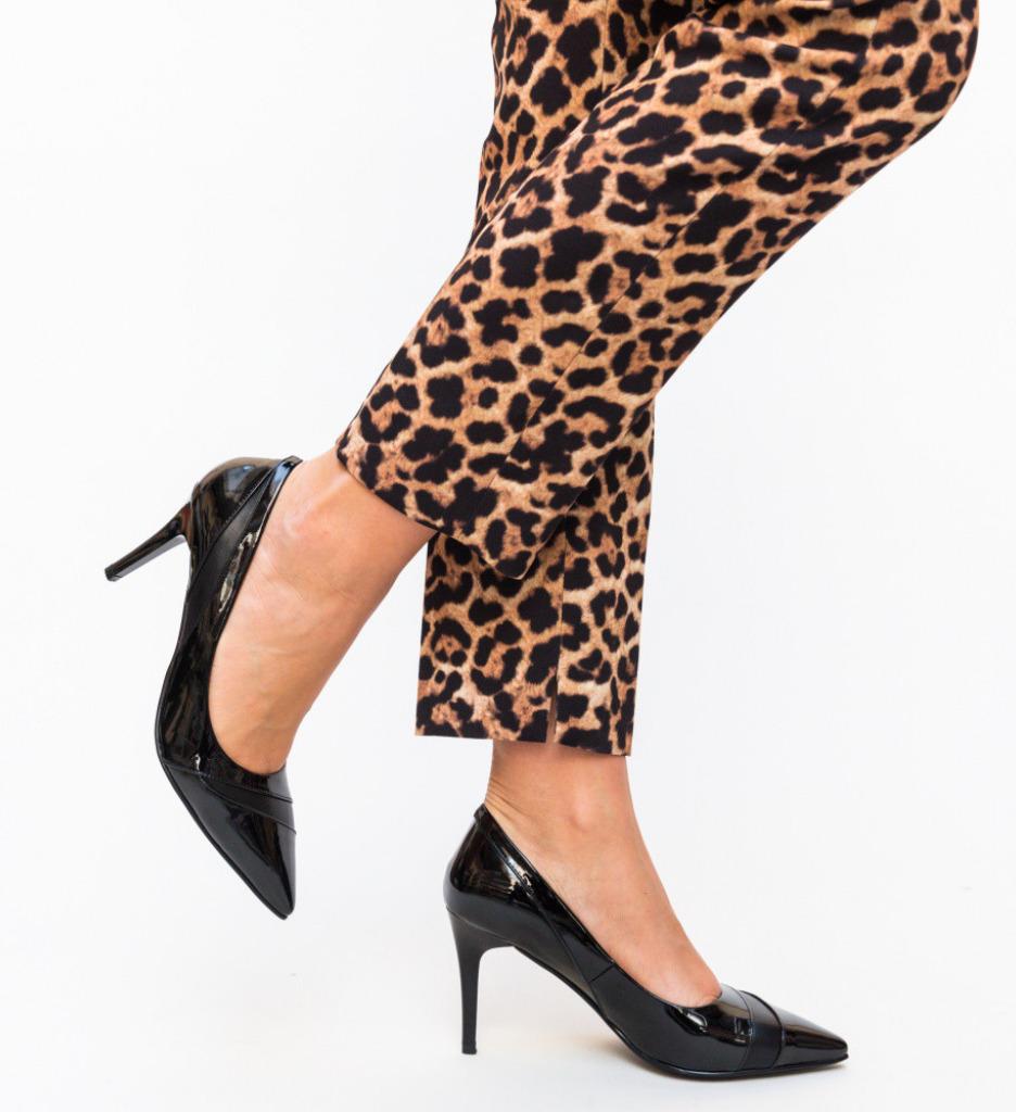 Обувки Lia Черни