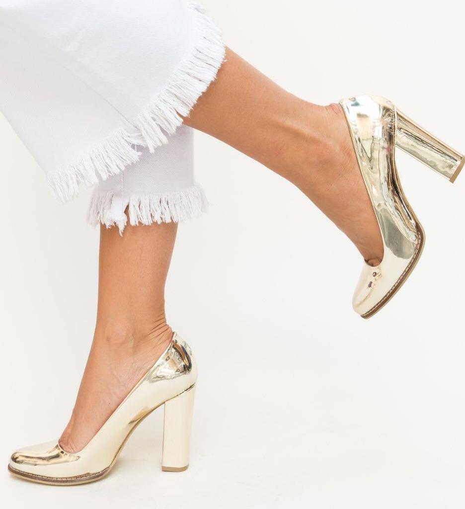 Обувки Aniel Златни