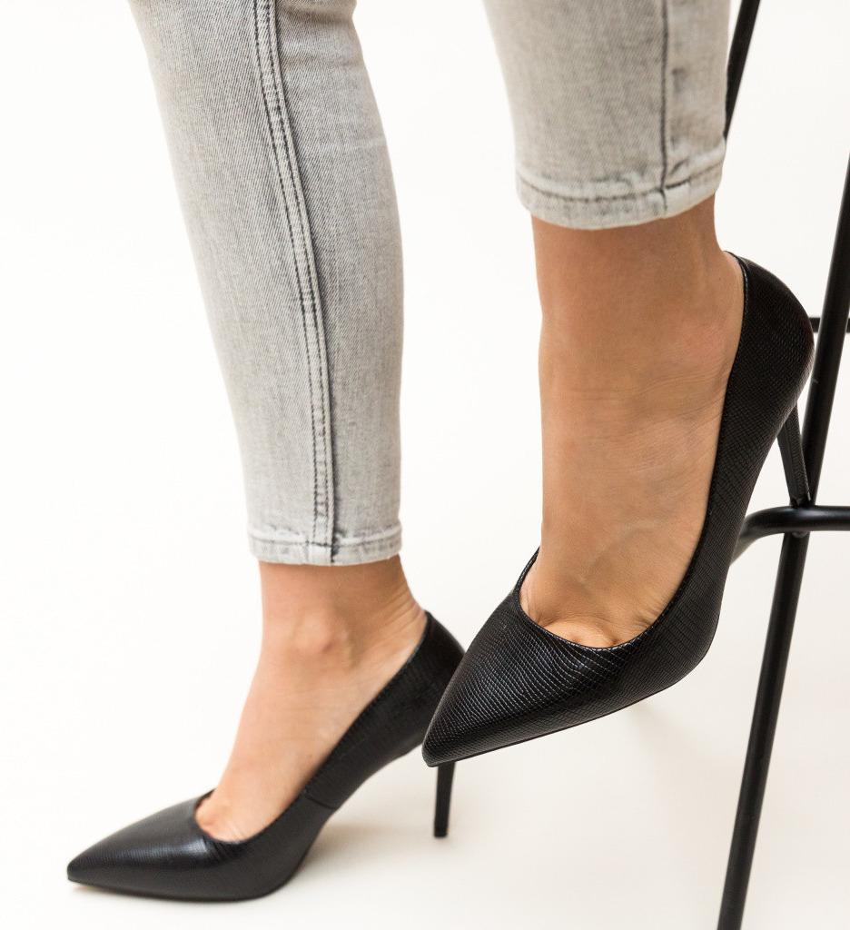 Обувки Mirial Черни