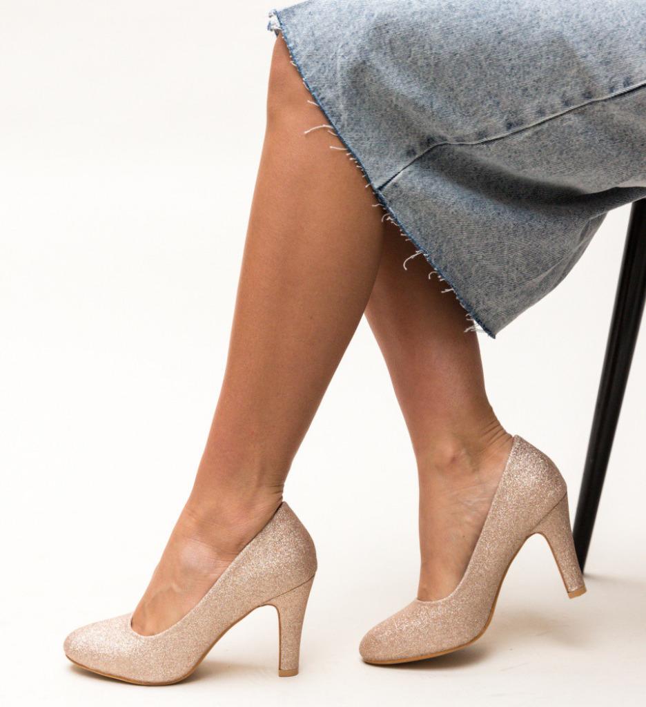Обувки Ciscom Златни