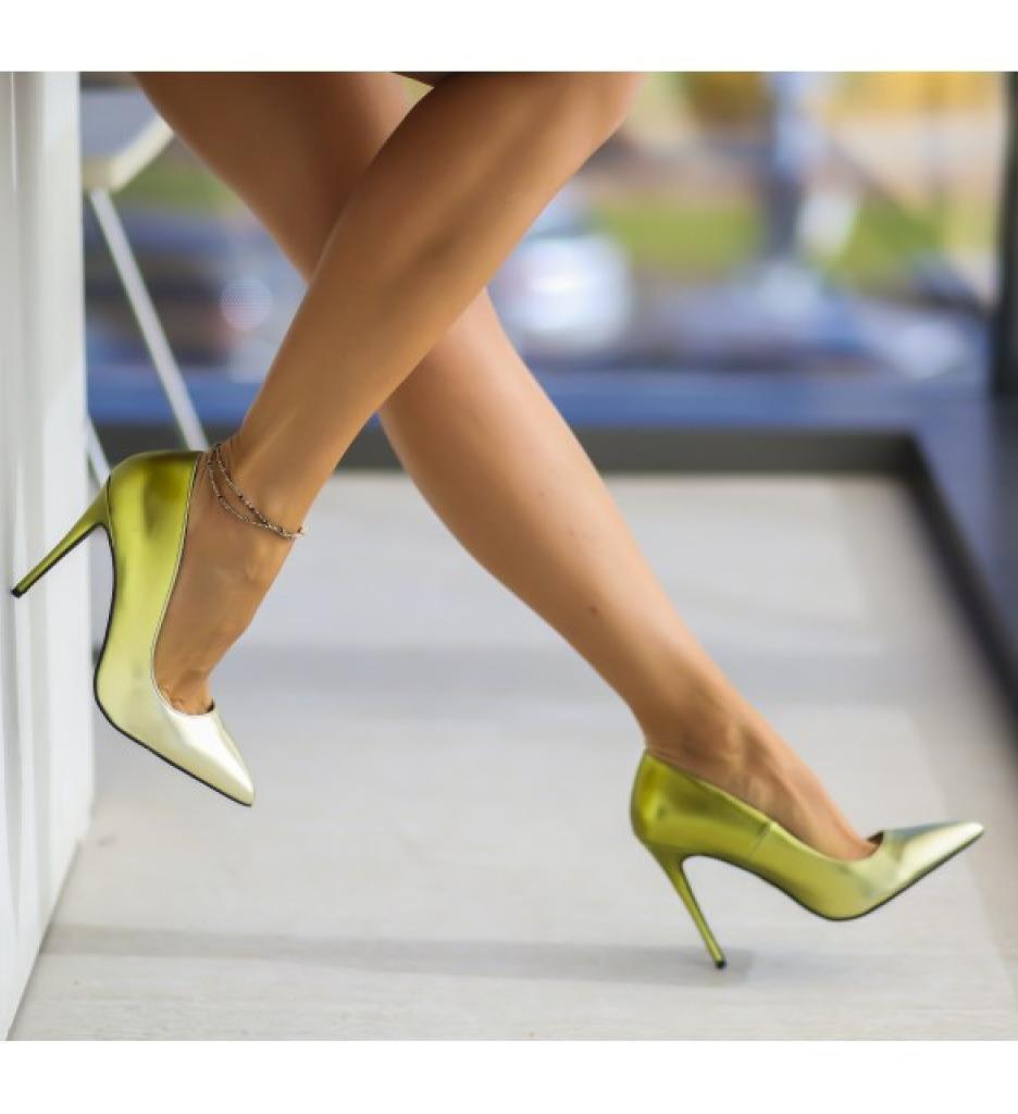 Обувки Далос Златни