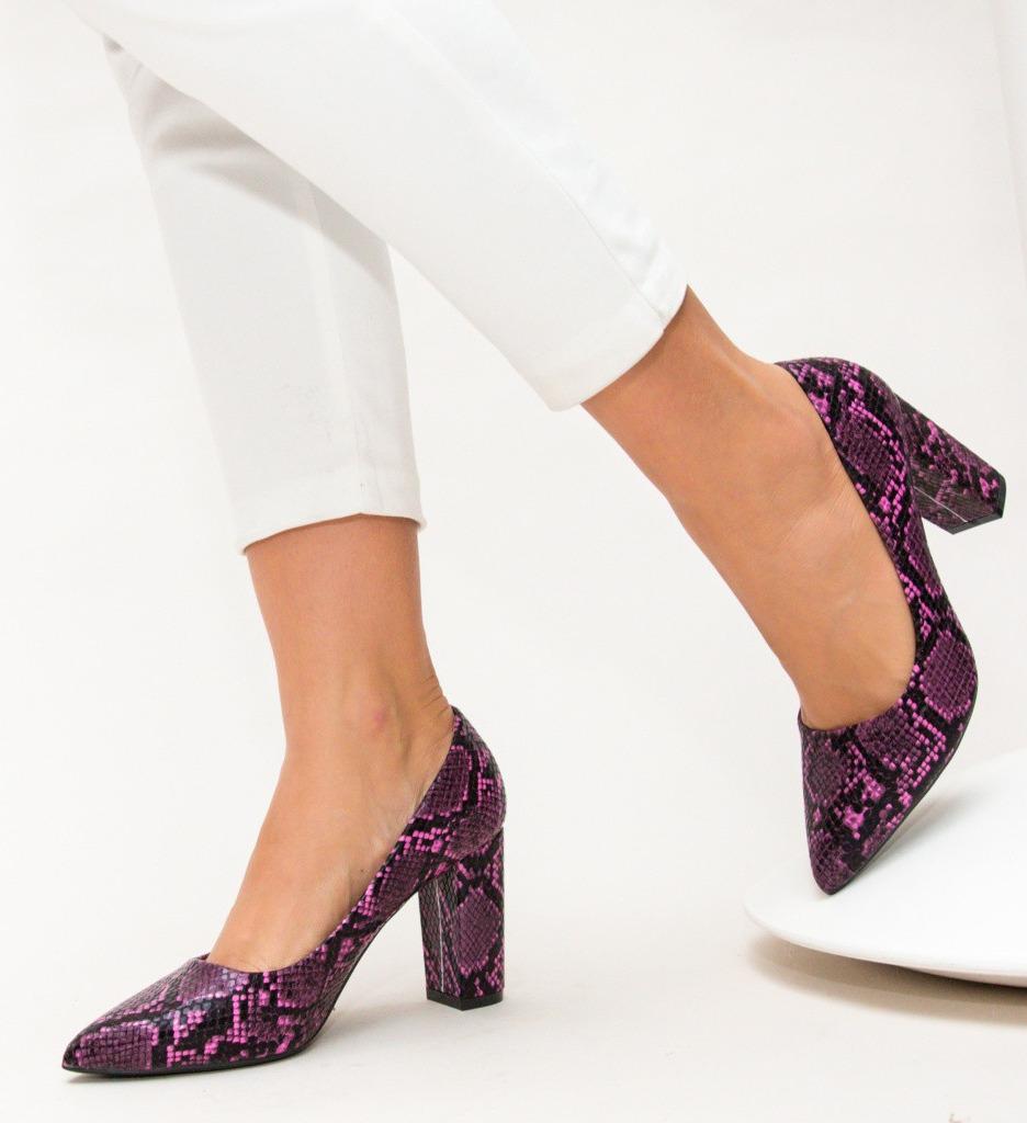 Обувки Arlon Лилави