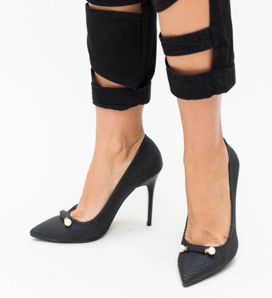 Обувки Delia Черни 3