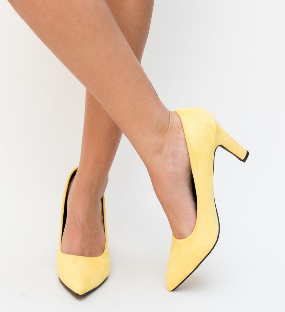 Обувки Erba Жълти