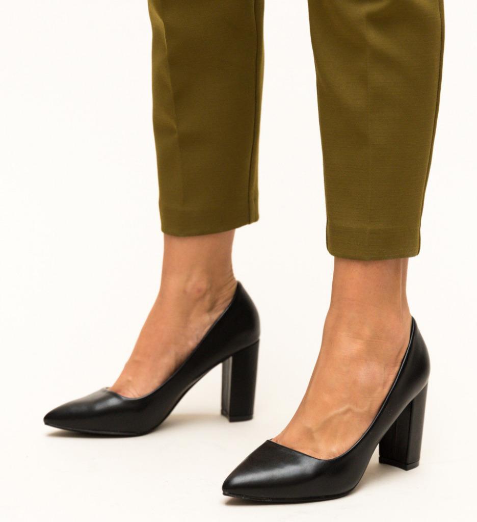 Обувки Pauline Черни