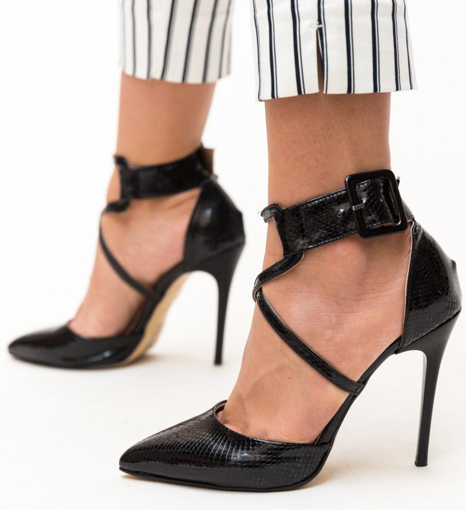 Обувки Bruno Черни