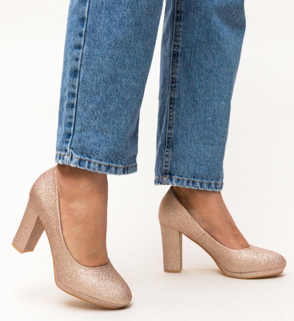 Обувки Dezgo Златни