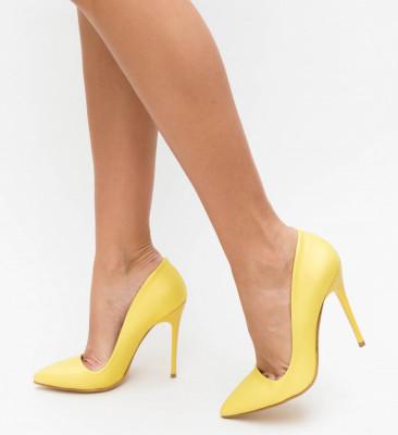 Обувки Bedes Жълти