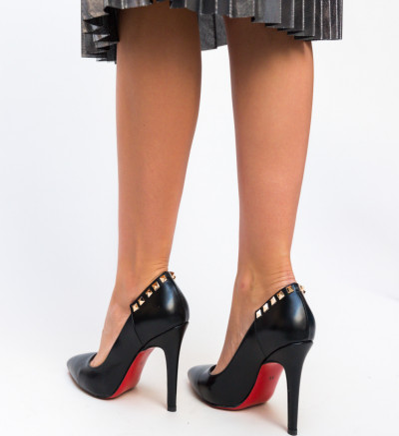 Обувки Chester Черни