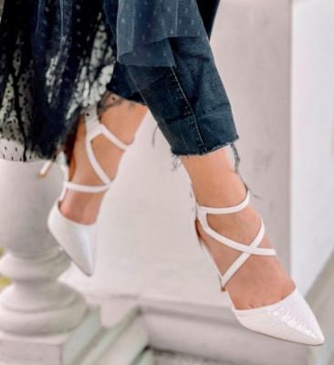 Обувки Cillia Бели
