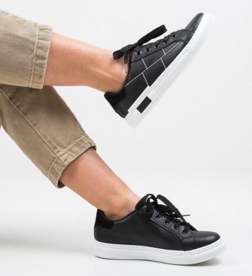 Спортни обувки Tayy Черни