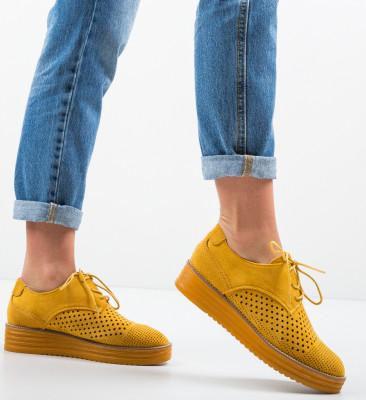 Ежедневни обувки Femar Жълти