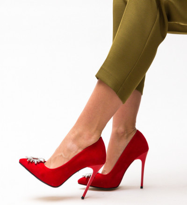 Обувки Червени