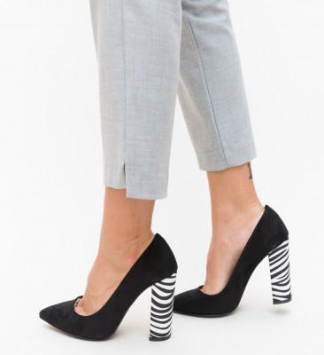 Обувки Adry Черни 4