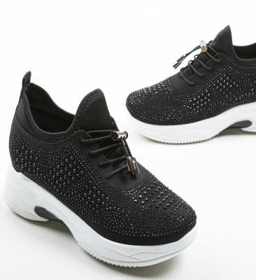 Спортни обувки Maira Черни