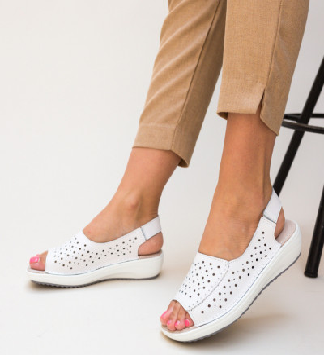 Ежедневни обувки Lindone Бели