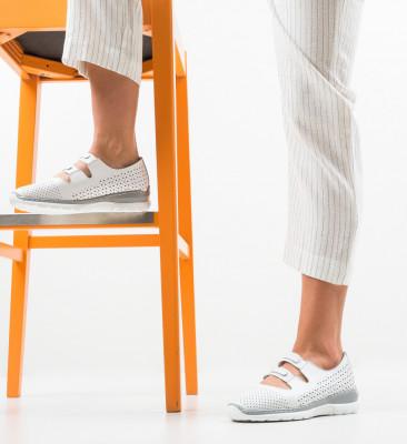 Ежедневни обувки Lott Бели