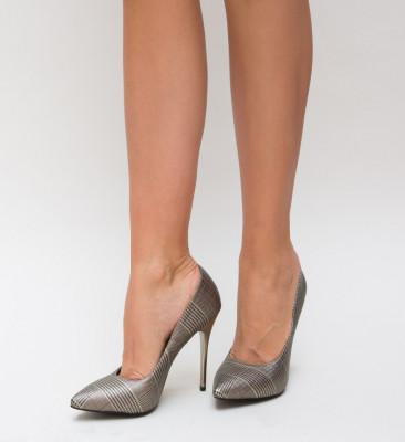 Обувки Larya Златни