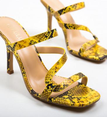 Сандали на ток Sosour Жълти