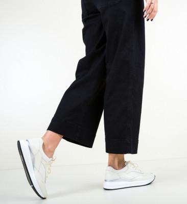 Ежедневни обувки Lynde Бежов
