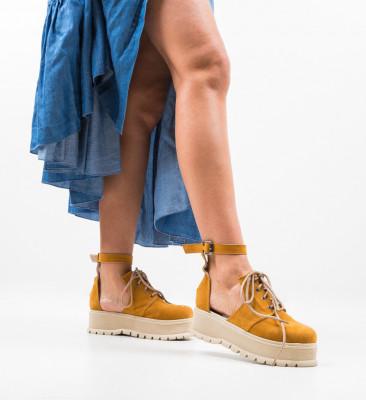 Ежедневни обувки Vespas Камел