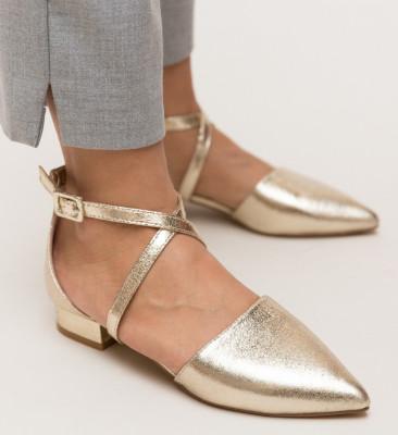 Обувки Carli Златни