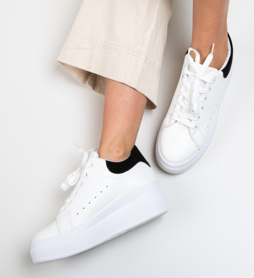 Спортни обувки Liana Черни