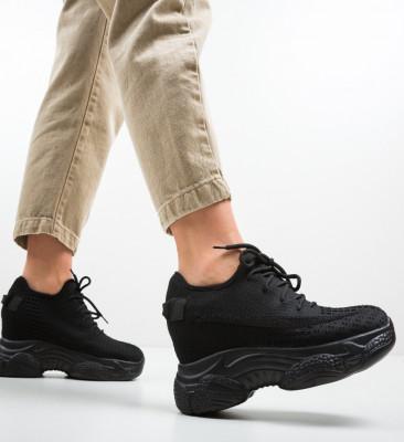 Спортни обувки Motty Черни