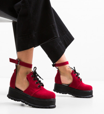 Ежедневни обувки Vespas Червени