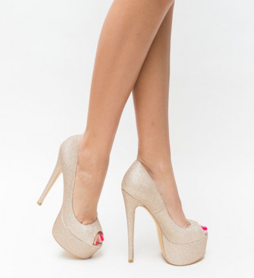 Обувки Soja Златни