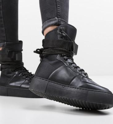 Спортни обувки Aisha Черни