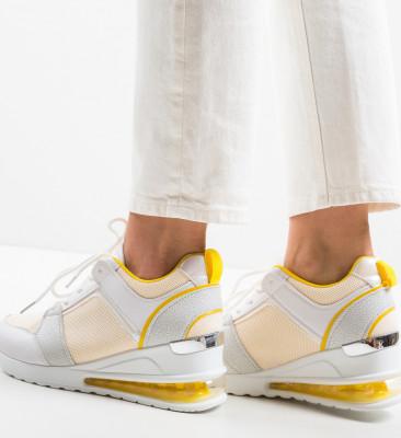 Спортни обувки Lilith Жълти