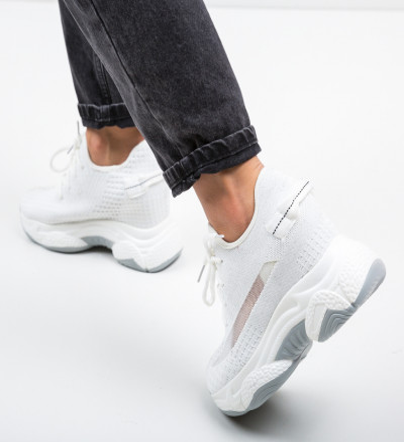 Спортни обувки Motty Бели